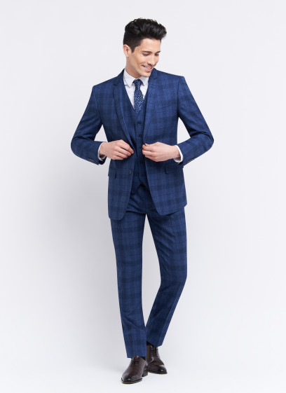 Three-pieces slim fit suit by Sevenson